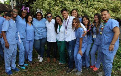 Gran acto estudiantil en la ciudad de San Juan de los Morros Promoción de Odontólogos XVIII